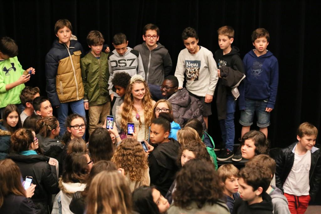 ursula lemarchand et les élèves du collège saint Bernard de Bayonne